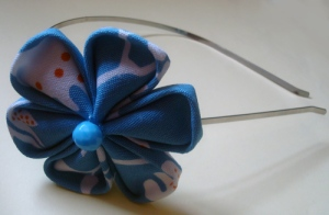Diadema flor japonesa